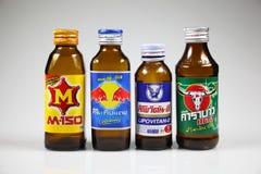 24 de diciembre de 2015 bebida de la energía del top 4 de Tailandia Imagenes de archivo