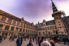 3 de diciembre de 2016: En el patio interno del castillo de Kronborg, D Fotografía de archivo libre de regalías