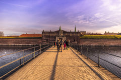 3 de diciembre de 2016: Entrada al castillo de Kronborg en Helsingor, Imagen de archivo