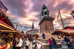 5 de diciembre de 2016: Mercado de la Navidad en Copenhague central, Denma Imagen de archivo libre de regalías