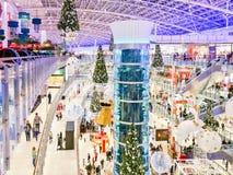 17 de diciembre de 2017 Decoraciones de la Navidad en alameda de compras de Aviapark MES Fotografía de archivo