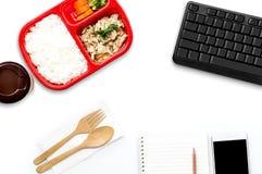 De dienst van de voedsellevering: Druk leveringsconcept voor bedrijfsfoo uit Stock Afbeeldingen