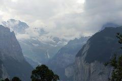 De diepe rivier george van Weisselutschine in Alpen, Zwitserland Stock Afbeelding