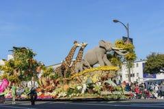 De dierlijke vlotter van Award van de stijl Grote Hofmaarschalk in beroemde Rose Parade Royalty-vrije Stock Afbeeldingen