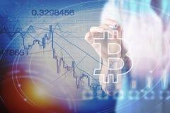 De digitale munt van het Bitcointeken, futuristisch digitaal geld, blockchain technologieconcept Stock Afbeeldingen