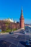 De dijk van de rivier van Moskou met het Kremlin, Rusland royalty-vrije stock afbeeldingen
