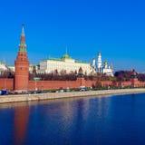 De dijk van de rivier van Moskou met het Kremlin, Rusland royalty-vrije stock fotografie