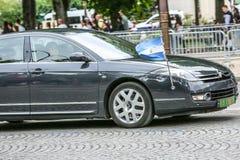 De Diplomatieke auto van Argentinië tijdens Militaire parade ( Defile) in Republiek Dag ( Bastille Day) Champs Ely Royalty-vrije Stock Afbeeldingen