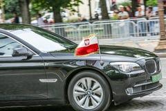 De Diplomatieke auto van Polen tijdens Militaire parade ( Defile) in Republiek Dag ( Bastille Day) Champs Elysee royalty-vrije stock foto