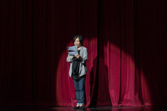 """De direktör var ordförande över-jiangxi opera""""fourdrömmarna av linchuan"""" Royaltyfri Bild"""