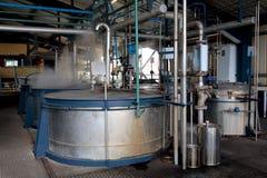 De distilleerderij van de rum en van de suiker Stock Afbeelding