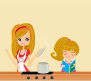 De dochter helpt koksoep baren Stock Foto's