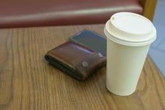 De document kop van koffie op lijsthout Royalty-vrije Stock Foto