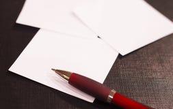 De documenten en de Pen van de nota Stock Afbeelding