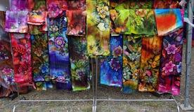 De doeken van de batik op vertoning Royalty-vrije Stock Fotografie