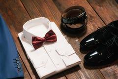 De doekuitrusting van de bruidegom stock fotografie