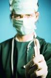 De dokter van de chirurg met scalpel royalty-vrije stock foto
