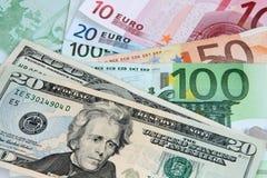 De Dollar van de V.S. en Euro Nota's Stock Afbeeldingen