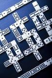 De dollars van de domino Stock Afbeeldingen