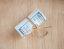De dollarsbankbiljetten bindt samen Royalty-vrije Stock Afbeeldingen