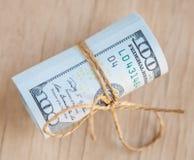 De dollarsbankbiljetten bindt samen Stock Foto's