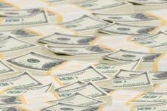 De dollarstapels van het tienduizend aan horizon Royalty-vrije Stock Foto