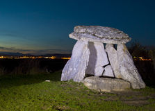 De dolmen van Sorginetxe in de vlaktes van Alava Royalty-vrije Stock Foto