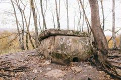 De dolmen zijn megalitische structuren op het grondgebied van Khadzhok in de Republiek van Adygea royalty-vrije stock fotografie