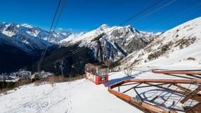 De Dombay-skitoevlucht Royalty-vrije Stock Afbeeldingen