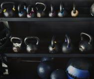 De domoren van het geschiktheidsmateriaal in gymnastiek Royalty-vrije Stock Fotografie