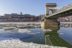 De Donau bij wintertijd in Boedapest Royalty-vrije Stock Afbeelding