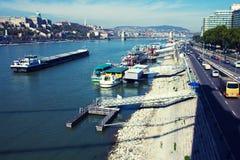 De Donau in het landschap van Boedapest Royalty-vrije Stock Foto's