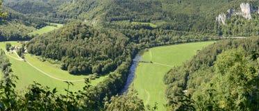 De Donaurivier buigt dichtbij Irndorf, Duitsland Royalty-vrije Stock Afbeelding
