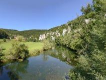 De Donaurivier buigt dichtbij Thiergarten, Duitsland Stock Foto's