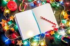 De donkerblauwe achtergrond van Kerstmis Royalty-vrije Stock Afbeeldingen