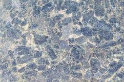De donkerblauwe dichte omhooggaande van de het patroonoppervlakte van de graniettextuur abstracte achtergrond Zwarte steen, patro Stock Fotografie