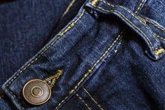 De donkerblauwe jeans sluiten omhoog Stock Fotografie