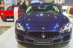 De Donkerblauwe Metaalmoskou Internationale Automobiele Salon van Maserati Quattroporte S Q4 Stock Foto's