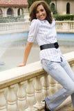 De donkerbruine mannequin van de tiener Stock Foto