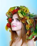 De donkerbruine Vrouw van de Herfst Stock Foto