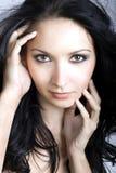 De donkerbruine vrouw van de schoonheid Stock Foto