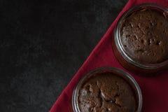 De Donkere Achtergrond van de chocoladesoufflé hierboven Royalty-vrije Stock Fotografie
