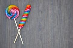 De donkere achtergrond van de suikergoedlollie Royalty-vrije Stock Afbeelding