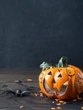 De donkere achtergrond van Halloween verticaal Stock Afbeelding