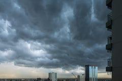 De donkere Achtergrond van Wolken Royalty-vrije Stock Foto