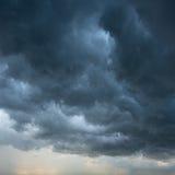De donkere Achtergrond van Wolken Royalty-vrije Stock Afbeelding