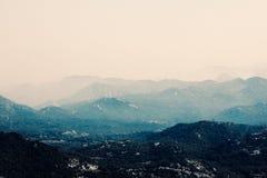 De donkere bergen in Tenerife Royalty-vrije Stock Foto's