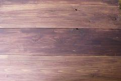De donkere bruine houten textuur van de plankmuur Landhuisachtergrond stock foto
