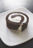 De donkere cake van het chocoladebroodje Stock Foto's