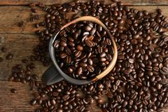De donkere Geroosterde Bonen van de Koffie Royalty-vrije Stock Fotografie